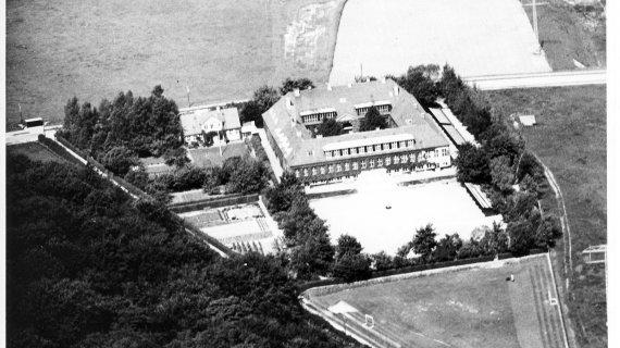 Luftfoto Gl. Holte Skole 1949