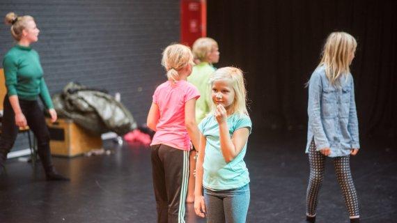 Pige hos Teatermejeriet på Mariehøj