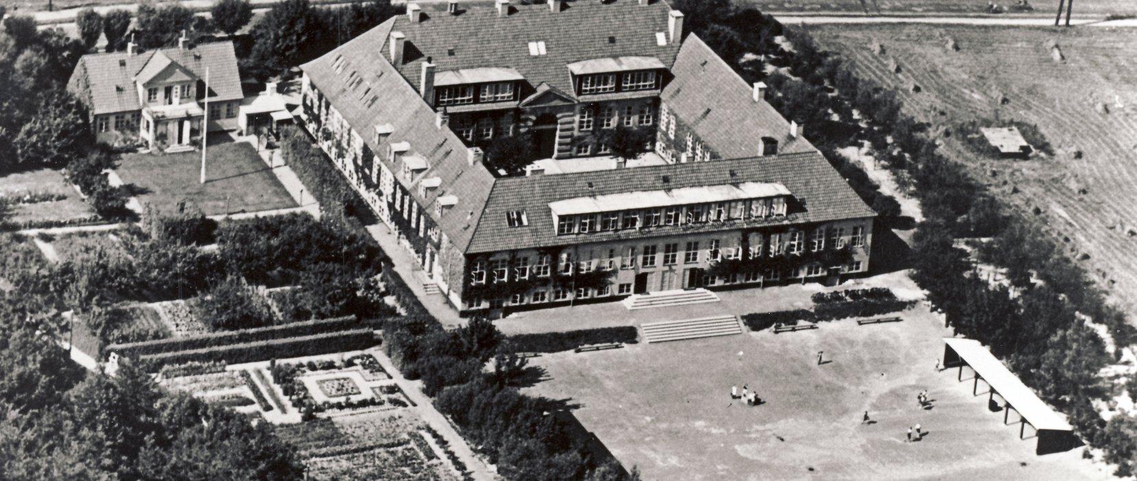 Luftfoto Gl. Holte Skole 1937